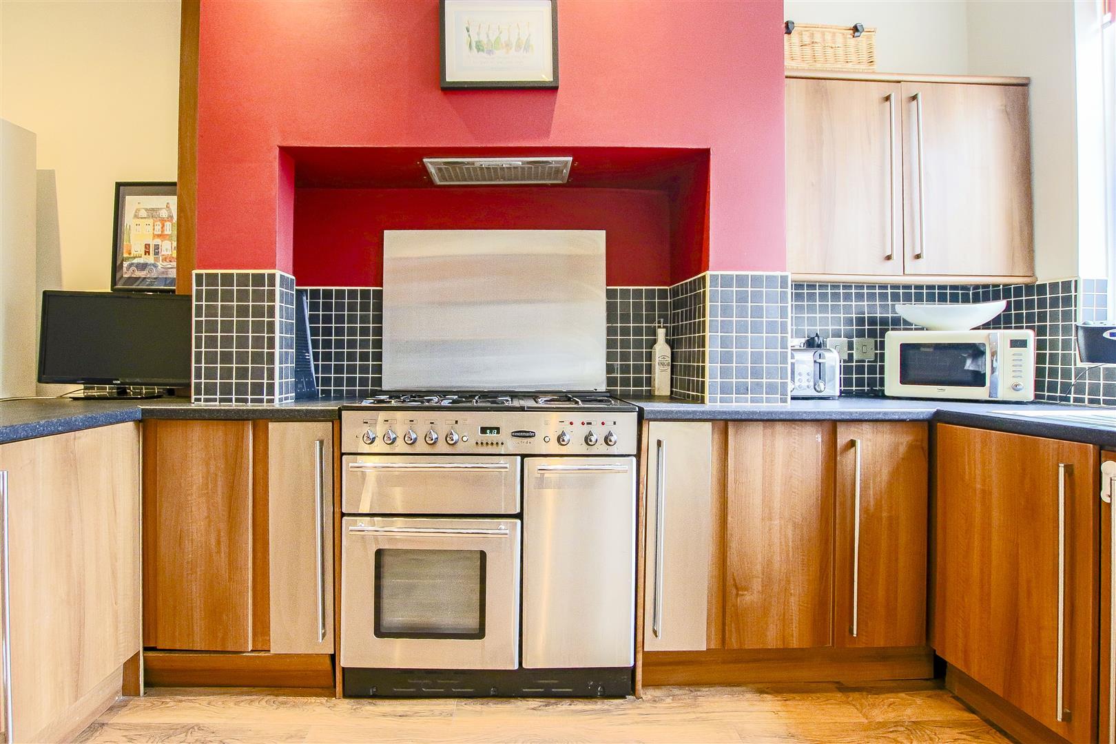 4 Bedroom Semi-detached House For Sale - 41.jpg